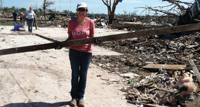 Kathleen volunteering in Oklahoma after disastrous tornados